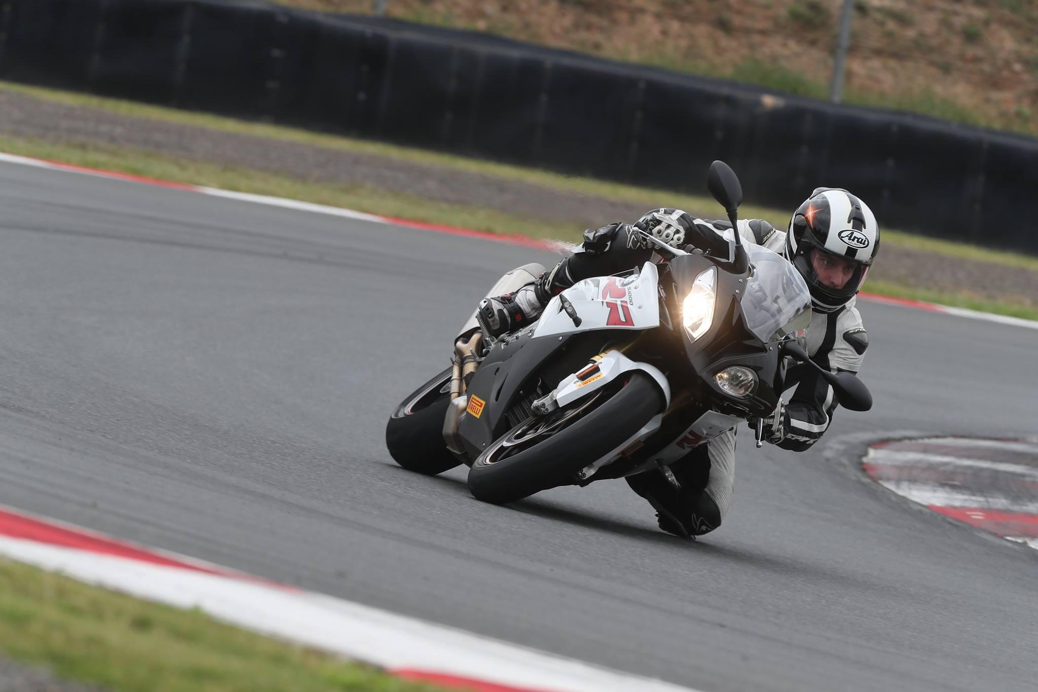Test Ride Pirelli Rossocorsa Franzoni con BMW S1000 RR
