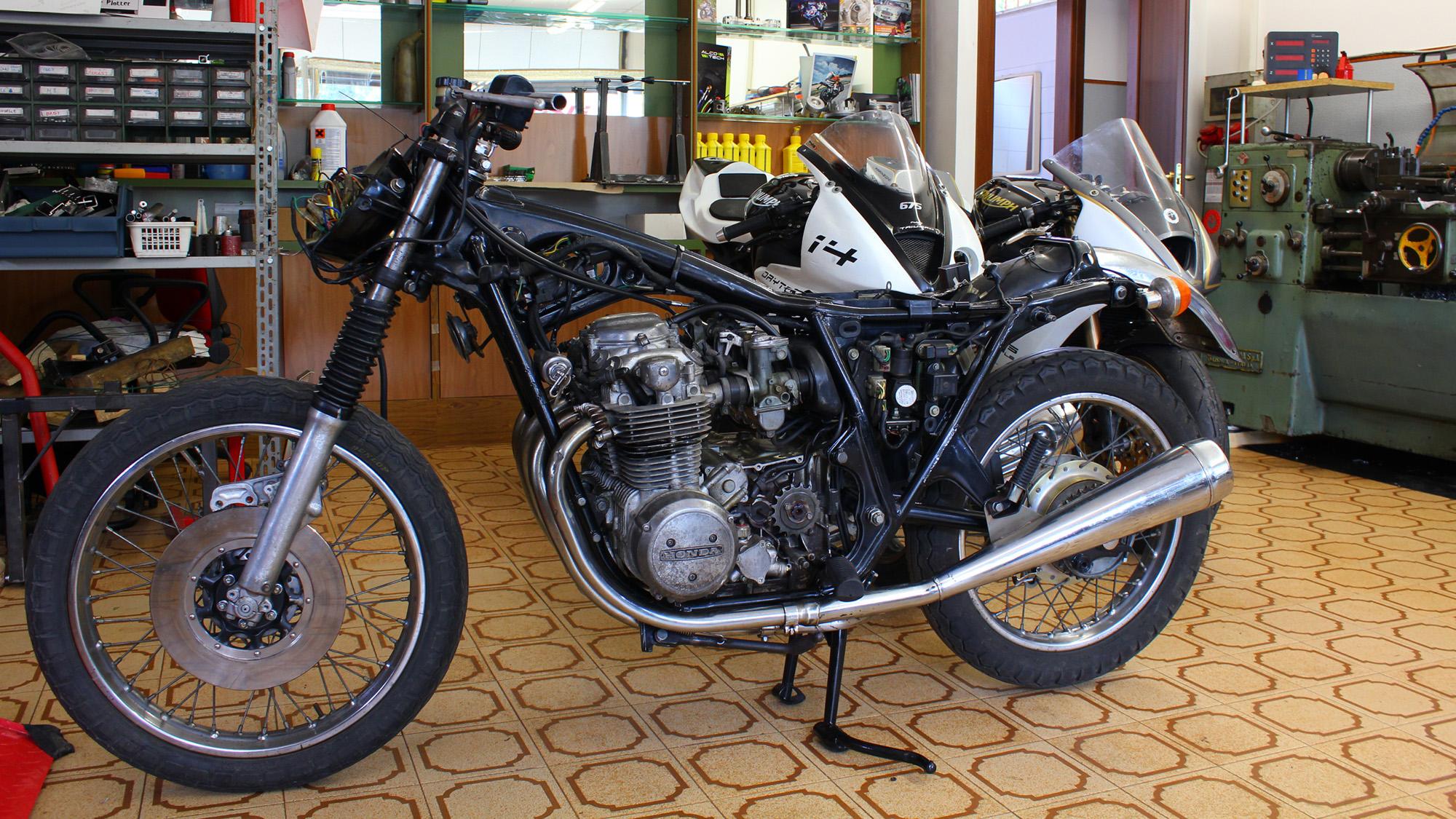 Restauro moto d'epoca Franzoni Motori